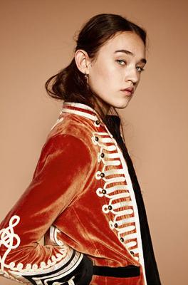 moda de zara - chaqueta de terciopelo