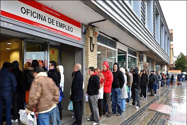 El BdE afirma que el crecimiento del empleo se acerca al de 2015