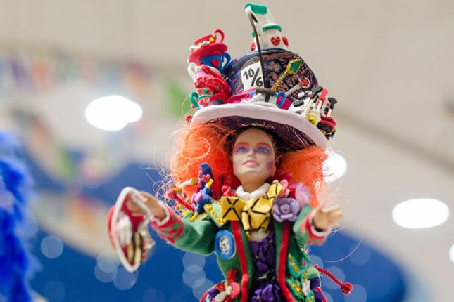 El-Corte-Inglés-celebra-el-Carnaval-en-Badajoz-con-una-exposición-de-Barbiedisfrazadas