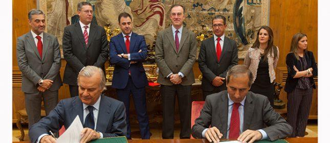 Banco Santander y la Universidad de Navarra renuevan su convenio de becas e investigación