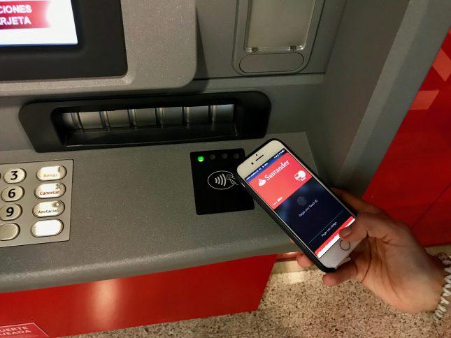 Banco santander permite sacar dinero con el m vil en m s for Cajeros banco santander para ingresar dinero