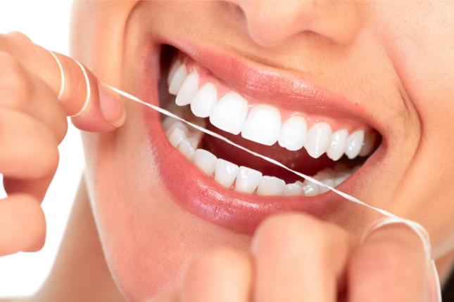 Dentistas en Madrid hilo dental