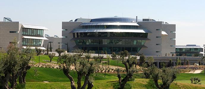 Banco Santander, la primera entidad financiera en España con el certificado 'Residuo Cero' de AENOR