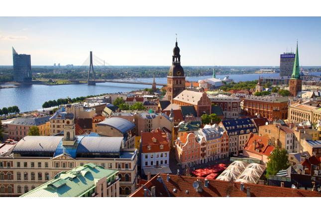 Multa a tres bancos de Letonia por violar el embargo a Corea del Norte