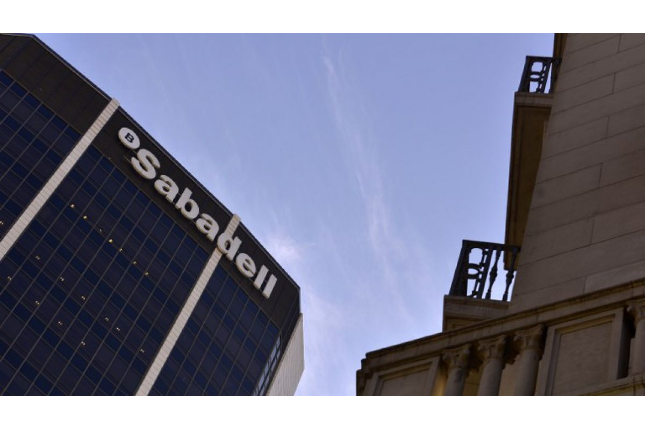 Banco Sabadell se reorganiza tras nombrar CEO a González-Bueno