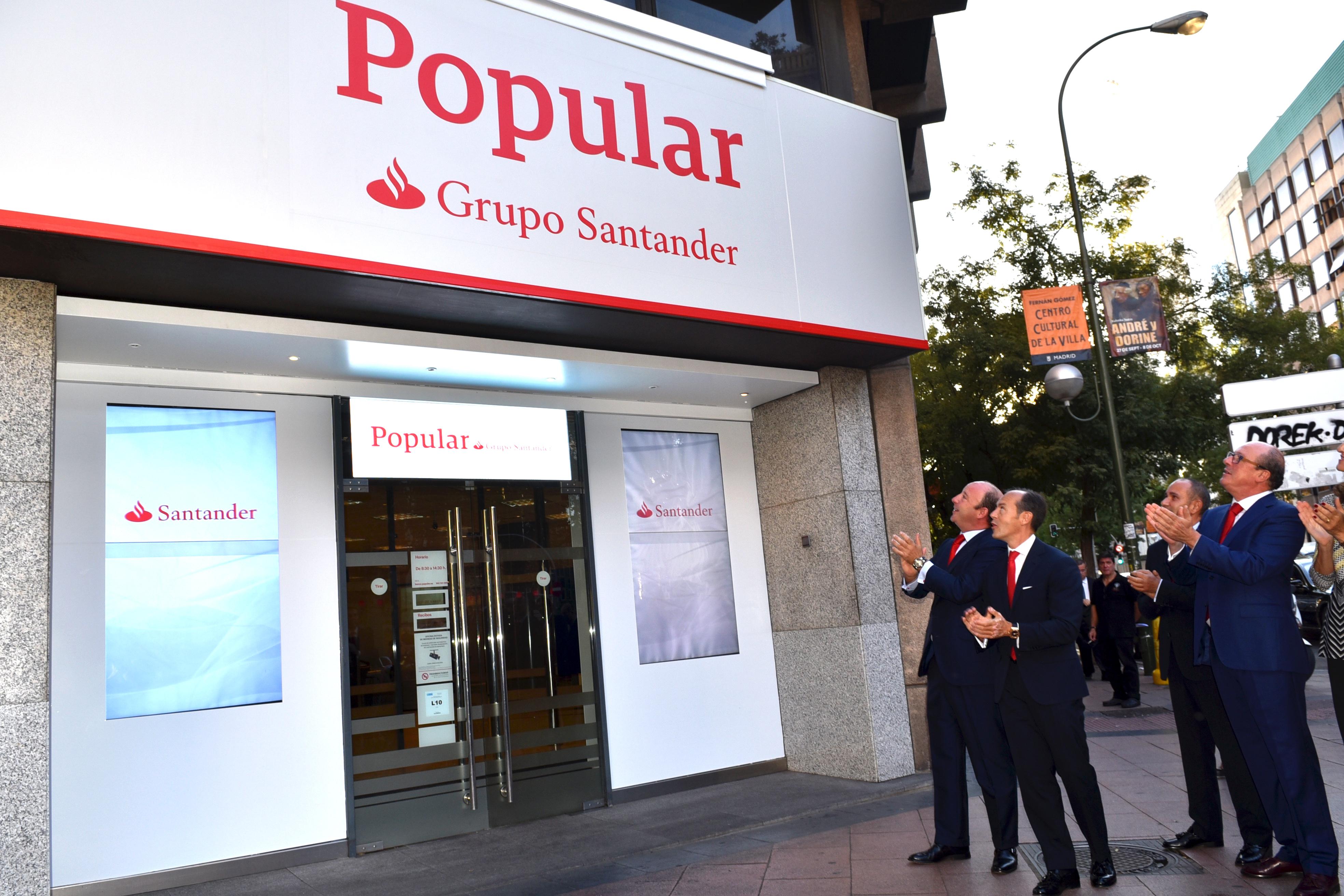 Banco Santander inicia la integración con Popular con el rediseño de los rótulos de las oficinas