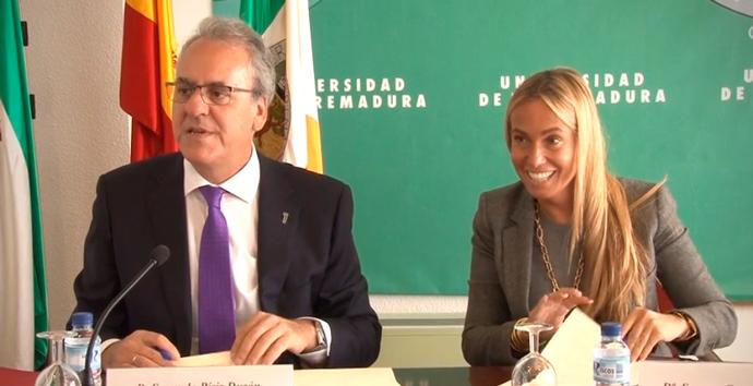 Banco Santander y la Universidad de Extremadura renuevan su colaboración en actividades académicas