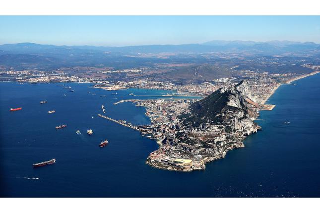 Gibraltar afirma cumplir las normas de la UE sobre evasión fiscal