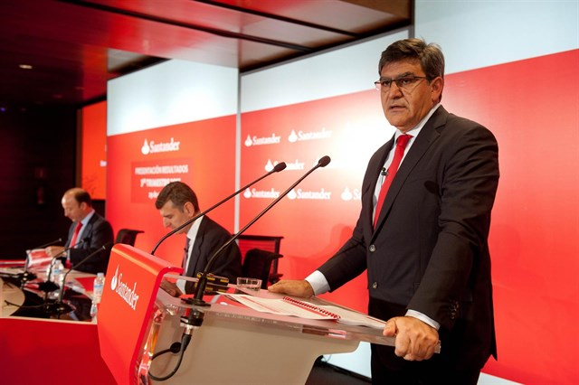 Banco Santander, apuesta doble por la digitalización y las sucursales