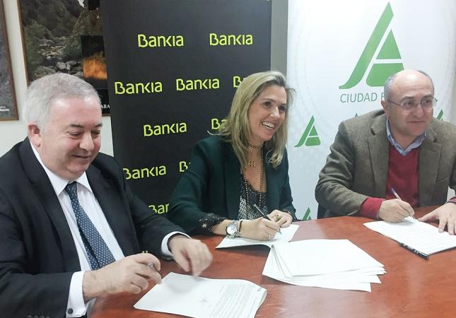 Bankia ofrecerá servicios financieros especiales a los socios de ASAJA Ciudad Real