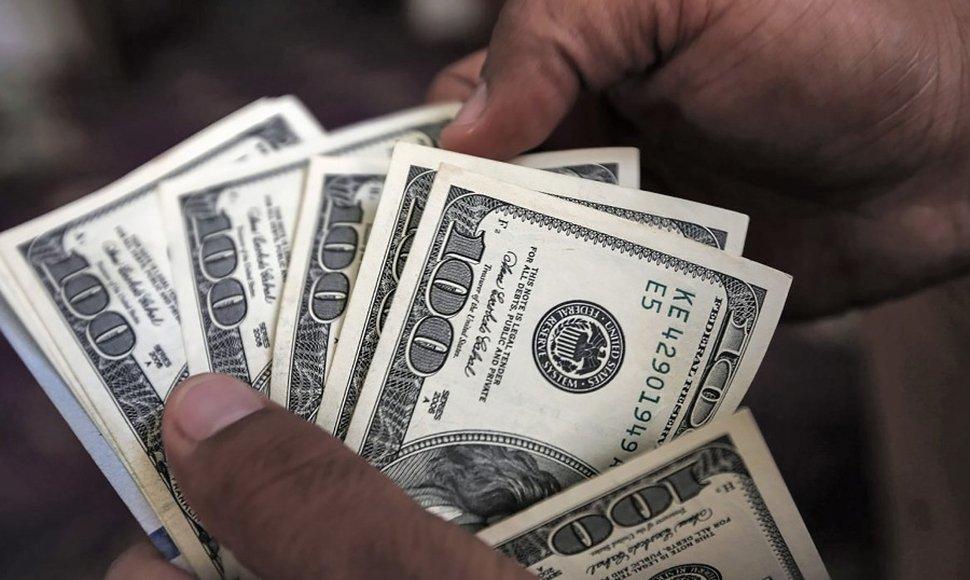 Cuba suspende desde hoy los depósitos en dólares