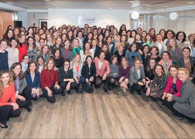 Banco Santander respalda programas de formación en liderazgo femenino