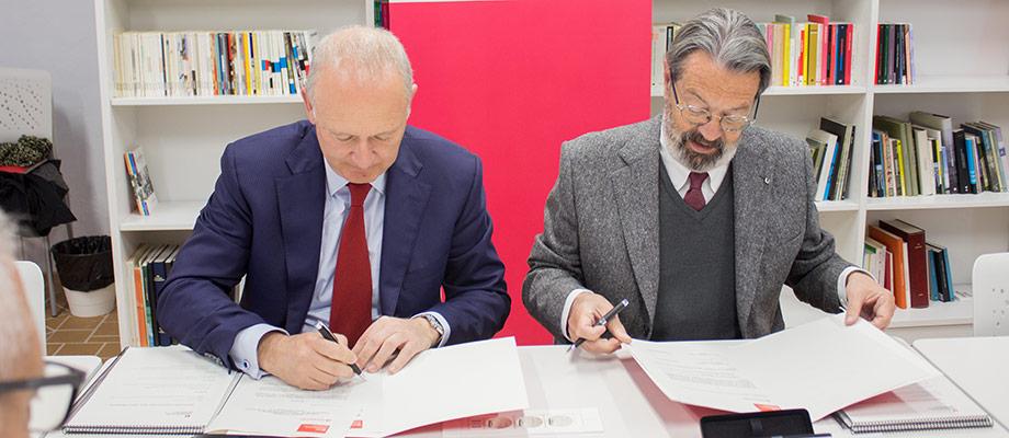 Banco Santander y la Universitat de Vic se unen para fomentar el emprendimiento y la transformación digital