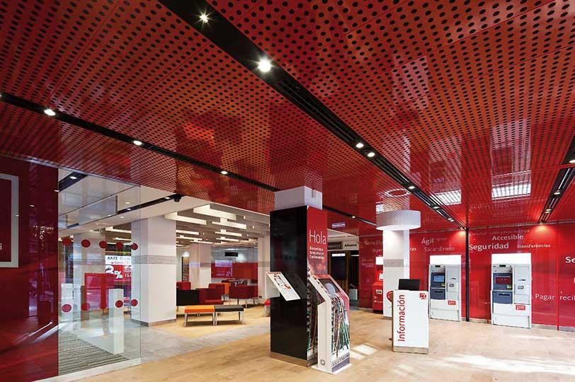 Banco Santander apuesta por la excelencia operativa para mejorar la atención al cliente
