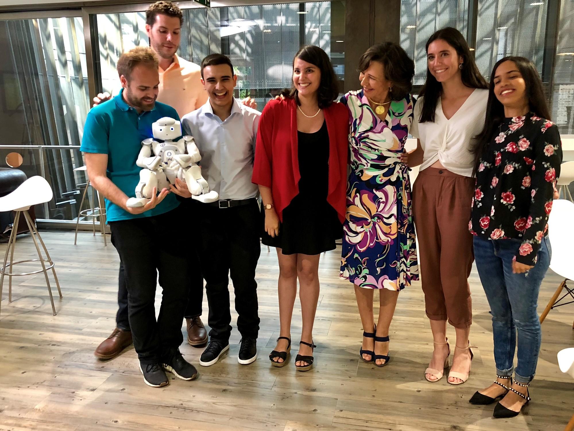 Ana Botín comparte historias de jóvenes emprendedores respaldados por Banco Santander