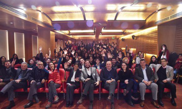 Banco Santander Chile y la organización TECHO-Chile lanzan programa de Becas