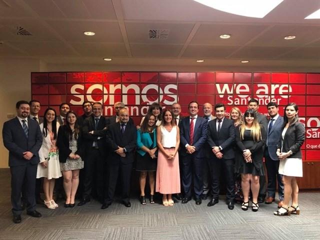Banco Santander recibe visita de alumnos del Máster en Banca y Mercados de la edición de Chile