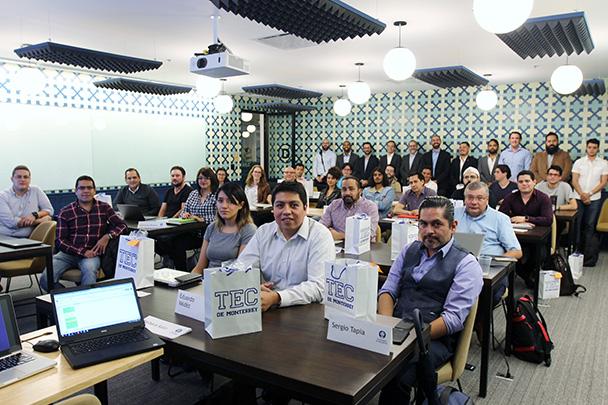 Banco Santander México y el Tecnológico de Monterrey se unen para promover el talento de jóvenes programadores
