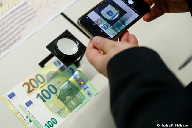 Nuevos billetes de 100 y 200 euros