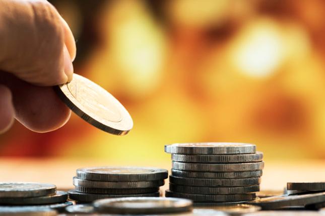 Hacienda devolverá el IRPF de las prestaciones por paternidad