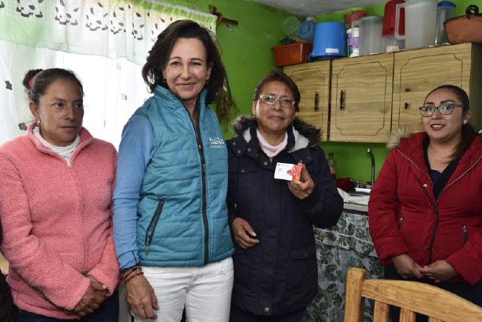 Ana Botín acompaña a mujeres emprendedoras del programa Tuiio de Banco Santander México