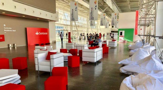 Ana Botín (Banco Santander) acompaña la inauguración del nuevo campus de la Escuela de Negocios Nova SBE en Portugal