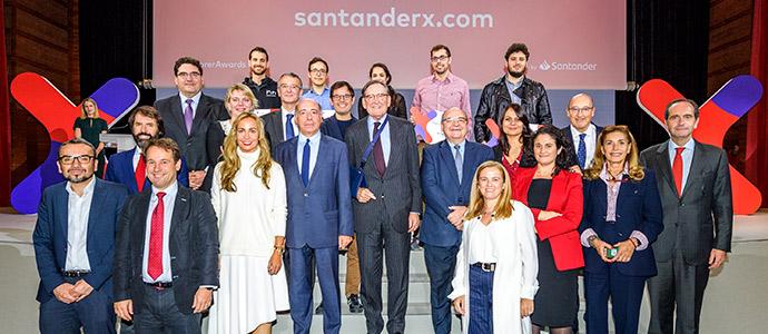 Banco Santander respalda los premios de la IX edición de Explorer 'Jóvenes con ideas'