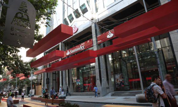 Banco Santander Chile, elegido Banco del Año según LatinFinance
