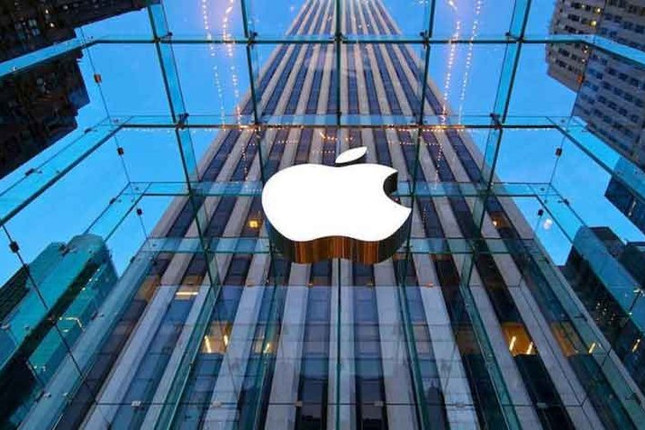 Apple reduce ingresos