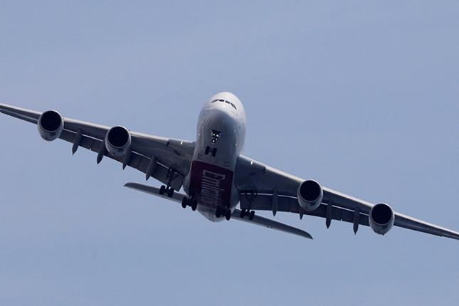 Los españoles viajan un 30,2% menos hasta marzo