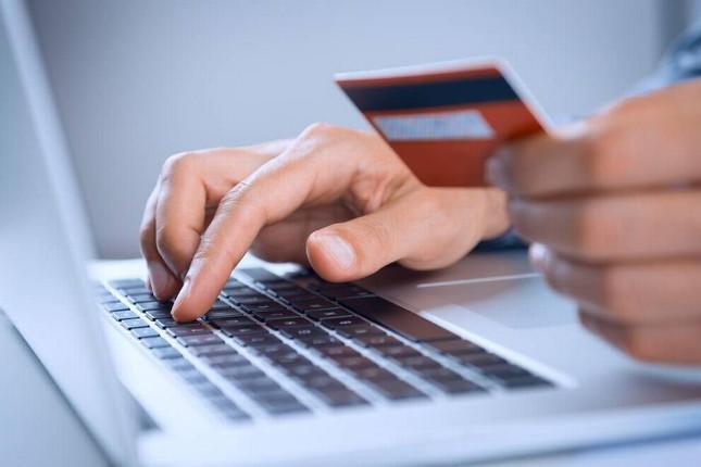 Los jóvenes destinan un 16,7% de su presupuesto a compras online