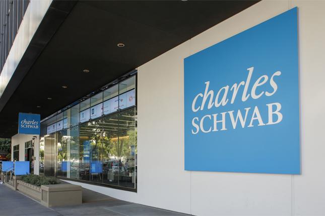Charles Schwab aumenta su beneficio un 80%