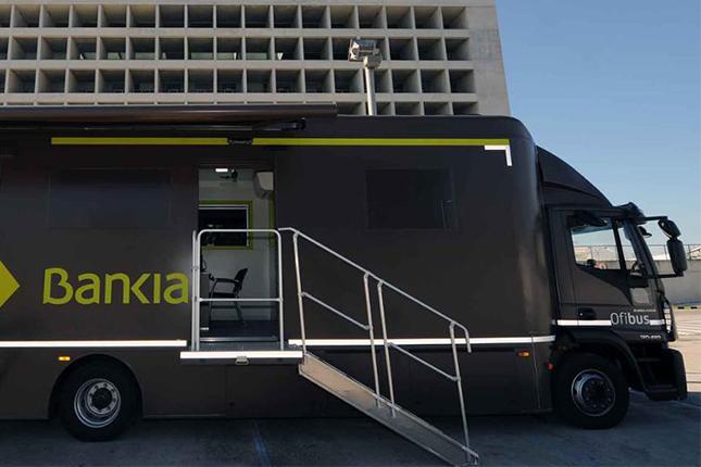 Los ofibuses de Bankia prestan servicio a 250.000 personas