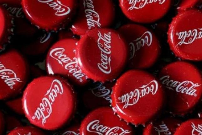 Coca-Cola suspende la publicidad de sus marcas