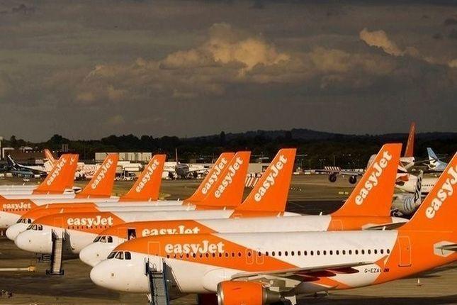 EasyJet vende y realquila nueve aviones por 332 millones de euros