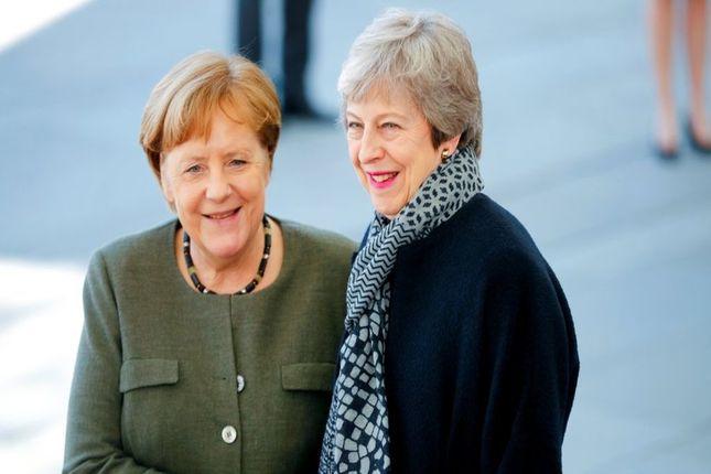Angela Merkel recibe a Theresa May
