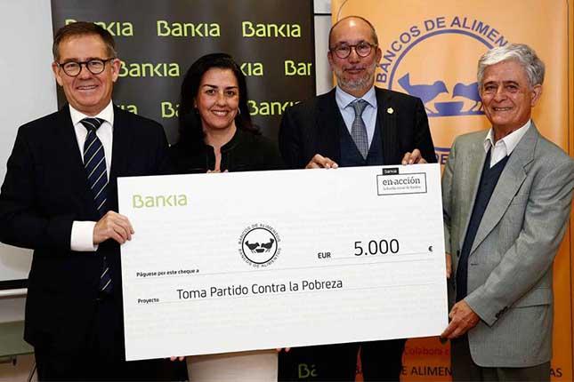 Bankia entrega un cheque solidario al Banco de Alimentos de Las Palmas