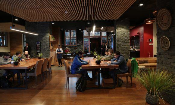 Banco Santander Chile alcanza 44 oficinas bajo el modelo Work Café