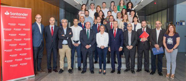 Banco Santander entrega más de 100 becas y ayudas a la comunidad universitaria de la UJI
