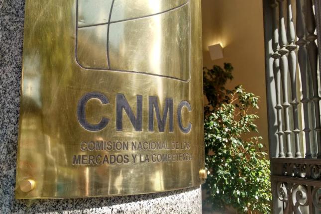 La CNMC saca a consulta sus circulares de electricidad y gas