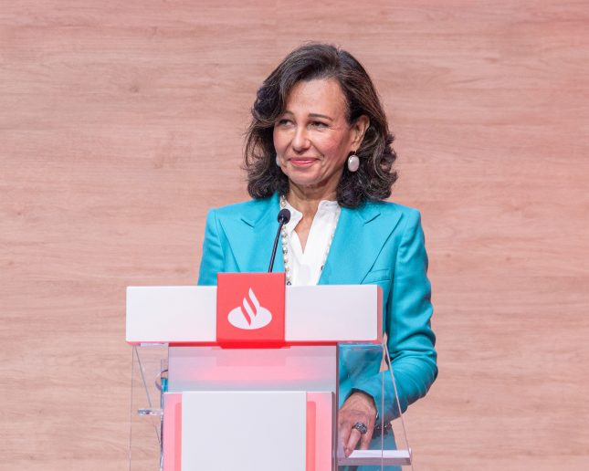 """Ana Botín (Banco Santander): """"Los bancos responsables no pueden ignorar el cambio climático"""""""