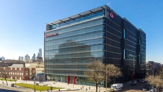 Banco Santander es una de las cinco mejores empresas para trabajar para las mujeres en Argentina