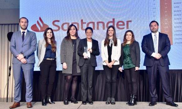 Banco Santander, entre las mejores empresas para trabajar en Chile según Merco Talento