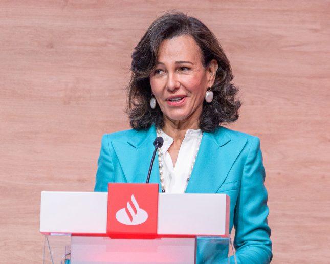 """Ana Botín (Banco Santander) felicita a su equipo en Reino Unido por convertir a Santander UK en un verdadero """"banco británico"""""""