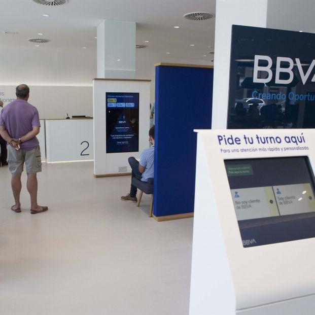BBVA disminuye las operaciones en caja