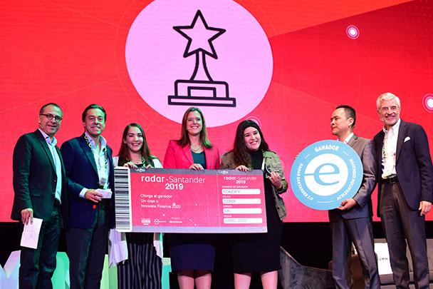 Banco Santander México premia a Fondify, la fintech ganadora de Radar Santander 2019
