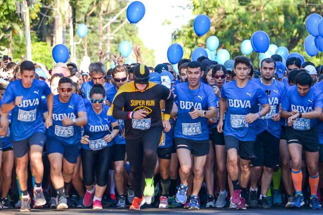 BBVA presenta la carrera Marea Azul en Asunción