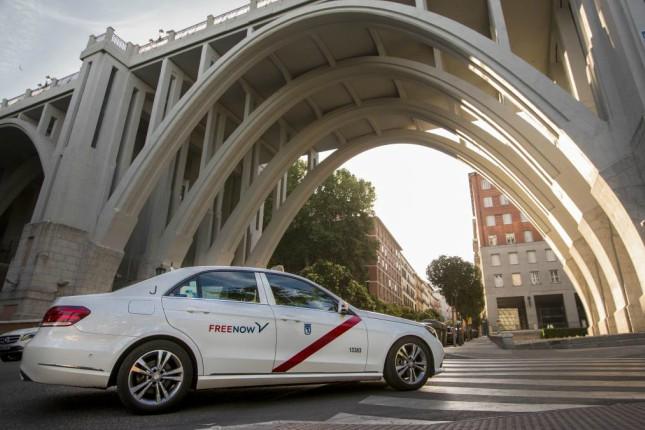 Free Now: flexibilizar el taxi generaría una ganancia de 214 millones a la economía española