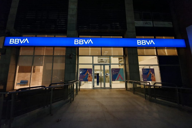Hosteleros, los autónomos que más contratan TPVs por canales digitales de BBVA