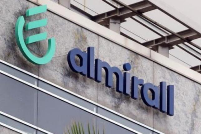 Almirall paga 11,8 millones en efectivo a sus accionistas